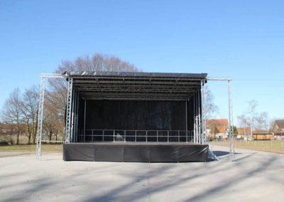 Bühnenwagen aufgeklapt