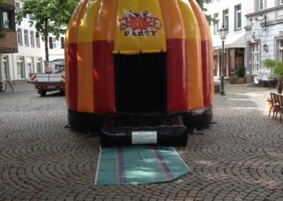 Disco Hüpfburg